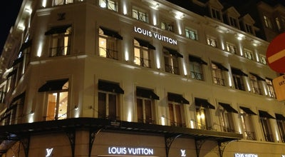 Photo of Clothing Store Louis Vuitton at Bld. De Waterloolaan 59/60, Brussels 1000, Belgium