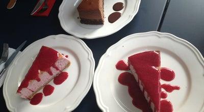 Photo of Dessert Shop Cafe Ponte Cheesecake House at Bestekar Yusuf Nalkesen Sk.14/a, Karsiyaka, Turkey