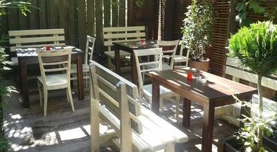 Photo of Cafe Цреша Бар / Cresha Bar at Ул. Иван Милутиновиќ Бр.8, Skopje 1000, Macedonia