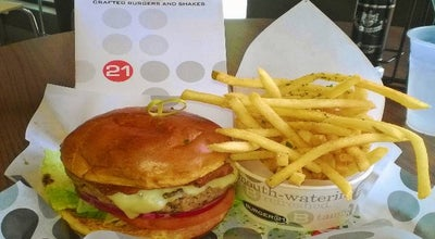 Photo of Burger Joint Burger 21 at 43800 Central Station Dr #100, Ashburn, VA 20147, United States