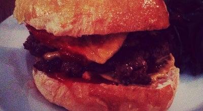 Photo of Burger Joint Le Ruisseau at 65 Rue Du Ruisseau, Paris 75018, France