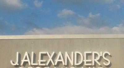 Photo of American Restaurant J. Alexander's Restaurant at 1410 16th St, Oak Brook, IL 60523, United States