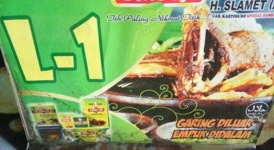 Photo of Indonesian Restaurant Bebek Goreng H. Slamet at Jl. Jenderal Sudirman No. 52, Purwokerto, Indonesia