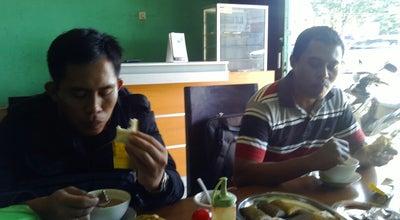 Photo of Diner Warung Coto Dan Konro Paraikatte at Remu Selatan, Indonesia