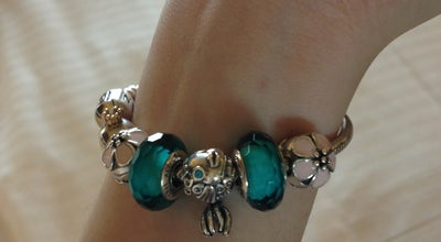 Photo of Jewelry Store Pandora at Marina Bay Sands, 2 Bayfront Ave, Singapore 018970, Singapore