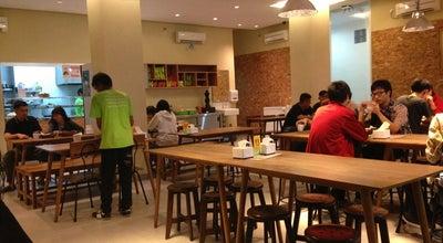 Photo of Vegetarian / Vegan Restaurant Loving Hut Express at Jalan K.h. Syahdan Gang Keluarga No. 39, Jakarta Barat 11480, Indonesia