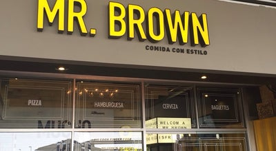 Photo of Burger Joint Mr. Brown at Av. Eugenio Garza Sada 1892, Monterrey 64740, Mexico