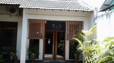Photo of Boutique Batik Karlina at Jl. Yudistira No. 5, Surakarta 57155, Indonesia