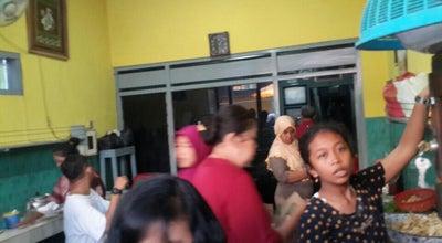 Photo of Indonesian Restaurant Nasi Pecel Pandegiling Bu Joyo at Jl. Pandegiling No. 318a, Surabaya, Indonesia