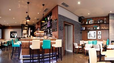 Photo of Coffee Shop Central Park Coruña at Pr. De Vigo, A Coruña 15004, Spain