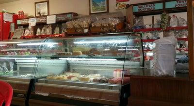 Photo of Bakery Panaderia Y Pasteleria Berna at Carrera 34 #48, Bucaramanga, Colombia