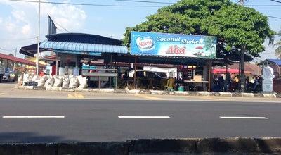 Photo of Food Truck Air kelapa & coconut shake alai at Kampung Alai, Malaysia