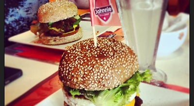 Photo of Burger Joint Johnnie Special Burger at Av. Das Araucárias 1325, Ed. Real Quality, Lj. 6, Brasília, Brazil