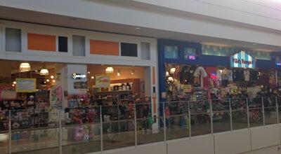 Photo of Bookstore ヴィレッジヴァンガード イオンモール大牟田店 at 岬町3-4, 大牟田市 836-0037, Japan