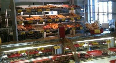 Photo of Donut Shop Duke City Donuts at 3005 Eubank Blvd Ne, Albuquerque, NM 87111, United States
