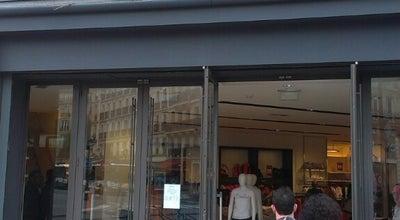 Photo of Clothing Store Zara at 88 Rue De Rivoli, Paris 75004, France