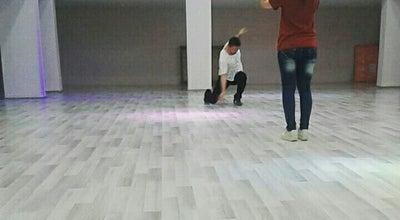 Photo of Dance Studio Aynur Taner Dans ve Spor Okulu at 2. İstasyon Caddesi, Karaman 70100, Turkey