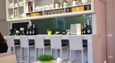 Photo of Cocktail Bar Arnold's Cafè at Piazzale Arnaldo 2, Brescia 25100, Italy