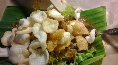 Photo of Asian Restaurant Gado Gado Bu Nanik at Jalan Doktor Sutomo, Gresik, Indonesia