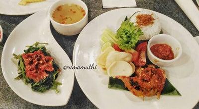 Photo of Steakhouse Safari Garden Cafe & Restaurant at Jalan Nipah No 21, Padang, Indonesia
