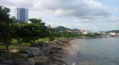 Photo of Park สวนสาธารณะเกาะลอย (Koh Loy Park) at Joem Jom Phon Rd., Si Racha 20110, Thailand