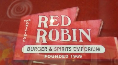 Photo of Burger Joint Red Robin Gourmet Burgers at 314 W Washington St, East Peoria, IL 61611, United States