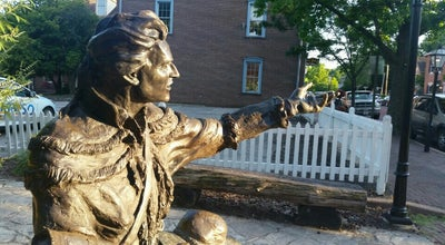 Photo of Outdoor Sculpture Daniel Boone Statue at Main St, St. Charles, MO 63301, United States
