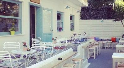 Photo of Cafe Madeira at Πευκών 1, Néon Iráklion 141 22, Greece