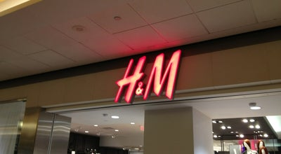 Photo of Clothing Store H&M at 609 Granville St, Vancouver, BC V6C 3J3, Canada