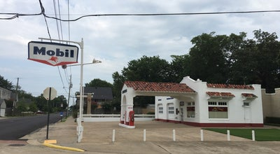 Photo of Historic Site Mobil Gas Station-Little Rock Central High Shool at Little Rock, AR 72202, United States