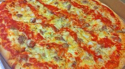 Photo of Pub Strawberry's Pub & Pizza at 110 Amboy Ave, Woodbridge, NJ 07095, United States