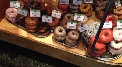 Photo of Donut Shop Top Pot Doughnuts at 609 Summit Ave E, Seattle, WA 98102, United States
