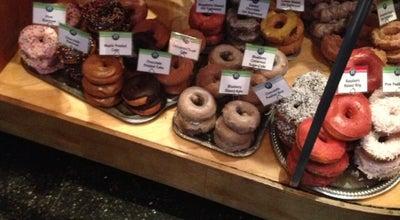 Photo of Donut Shop Top Pot Doughnuts at 609 Summit Ave E, Seattle, WA 98102, United States