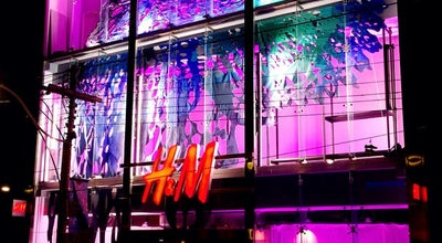 Photo of Clothing Store H&M at 427 Queen St. W, Toronto, ON M5V 2A5, Canada