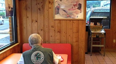 Photo of Ice Cream Shop Dairy King at 169 Main St, Norwalk, CT 06851, United States