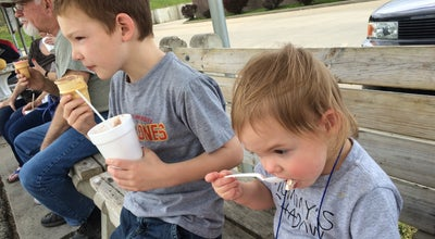 Photo of Ice Cream Shop Graham's Dairy Freeze at 627 W 2nd St, Ottumwa, IA 52501, United States