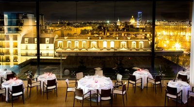 Photo of French Restaurant Maison Blanche at 15 Avenue Montaigne, Paris 75008, France