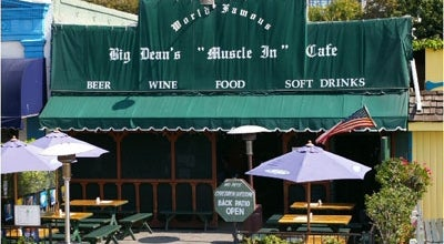 Photo of Beer Garden Big Dean's Ocean Front Cafe at 1615 Ocean, Santa Monica, CA 90401, United States