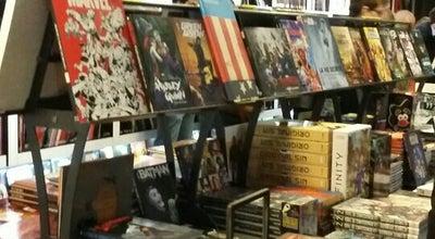 Photo of Bookstore Librairie Bulle at 6 Rue Saint-honoré, Le Mans 72000, France