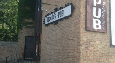 Photo of Burger Joint Moody's Pub at 5910 N Broadway St, Chicago, IL 60660, United States