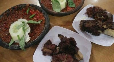 Photo of Indonesian Restaurant Warung Léko at Jl. Ronggowarsito No. 38, Kediri, Indonesia