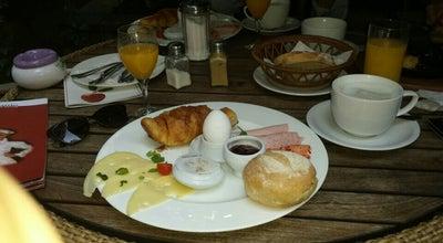 Photo of Cafe Academie der Schönsten Künste at Charlottenstraße 5, Stuttgart 70182, Germany