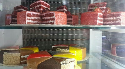 Photo of Dessert Shop Bibi Rash Cake | راش کیک بی‌بی at Azimiyeh, Karaj, Iran