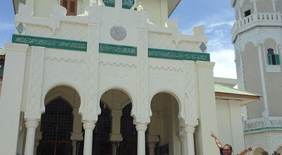 Photo of Mosque Masjid Baiturrahim at Jl. Sultan Iskandar Muda, Ulee Lheue, Banda Aceh, Indonesia