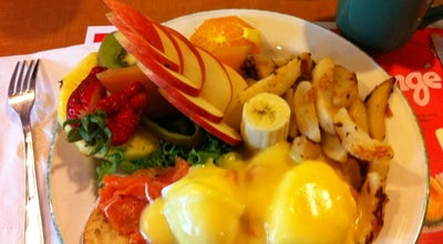 Photo of Breakfast Spot Chez Cora at 1240 Rue Drummond, Montréal, PQ H3G 1V7, Canada