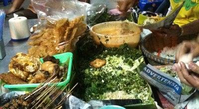 Photo of Asian Restaurant Pecel Mbok Sador at Jl. Menteri Supeno, Semarang, Indonesia