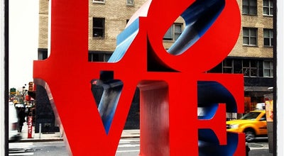 Photo of Outdoor Sculpture LOVE Sculpture by Robert Indiana at 1350 Avenue Of The Americas, New York, NY 10019, United States
