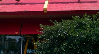 Photo of Fast Food Restaurant McDonald's at 2635 N Clark St, Chicago, IL 60614, United States