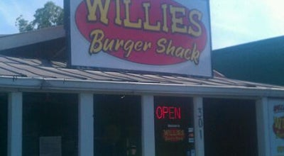 Photo of American Restaurant Willie's Burger Shack at 301 W Emery St, Dalton, GA 30720, United States