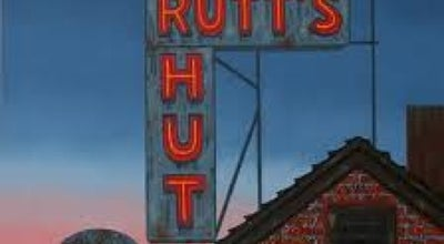 Photo of Hot Dog Joint Rutt's Hut at 417 River Rd, Clifton, NJ 07014, United States